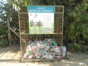 pichilemu recicla, surf and clean.